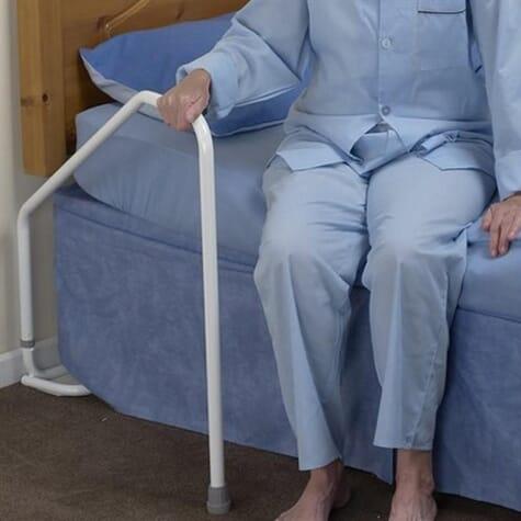 Barre d'appui pour aide à la sortie du lit - Lit Simple