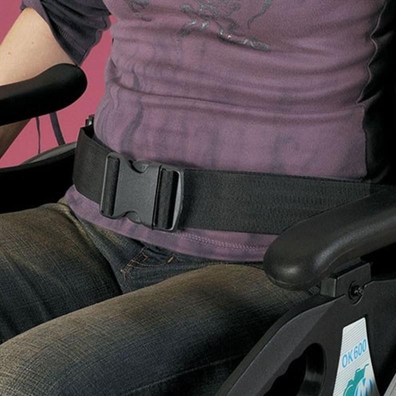 Ceinture pour fauteuil roulant avec boucle