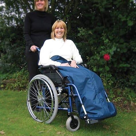 Couvre-jambes en polaire pour fauteuil roulant