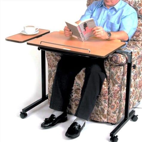 Table avec tablette entièrement ajustable